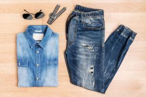 Jogginghosen Jeans Herren richtig kombinieren