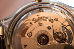 uhrwerk-armbanduhr