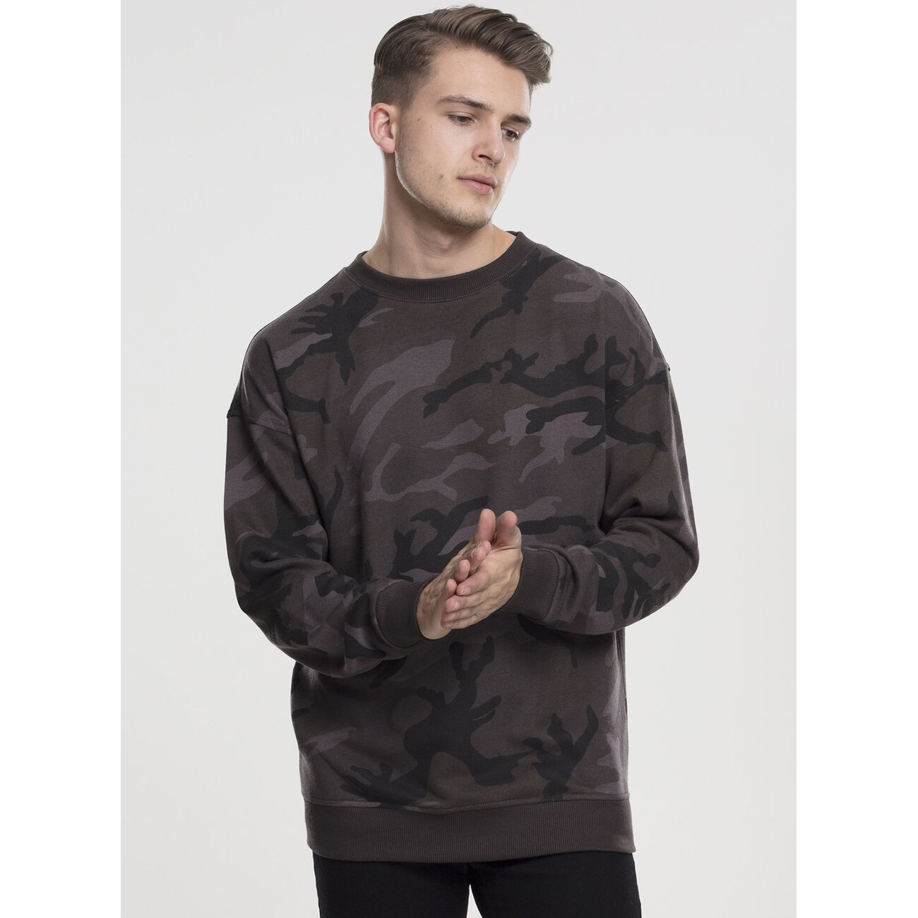 urban classics sweatshirt herren camouflage print crewneck. Black Bedroom Furniture Sets. Home Design Ideas